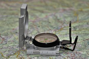 compass 3072376 1920 300x200 - Contáctanos
