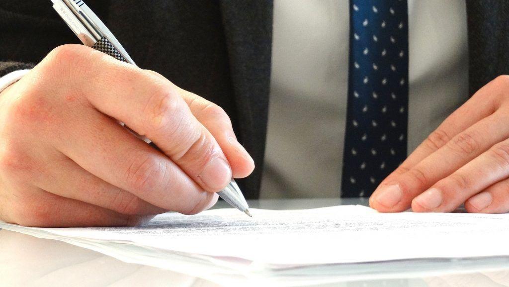 Plantilla y firma de un correo electronico